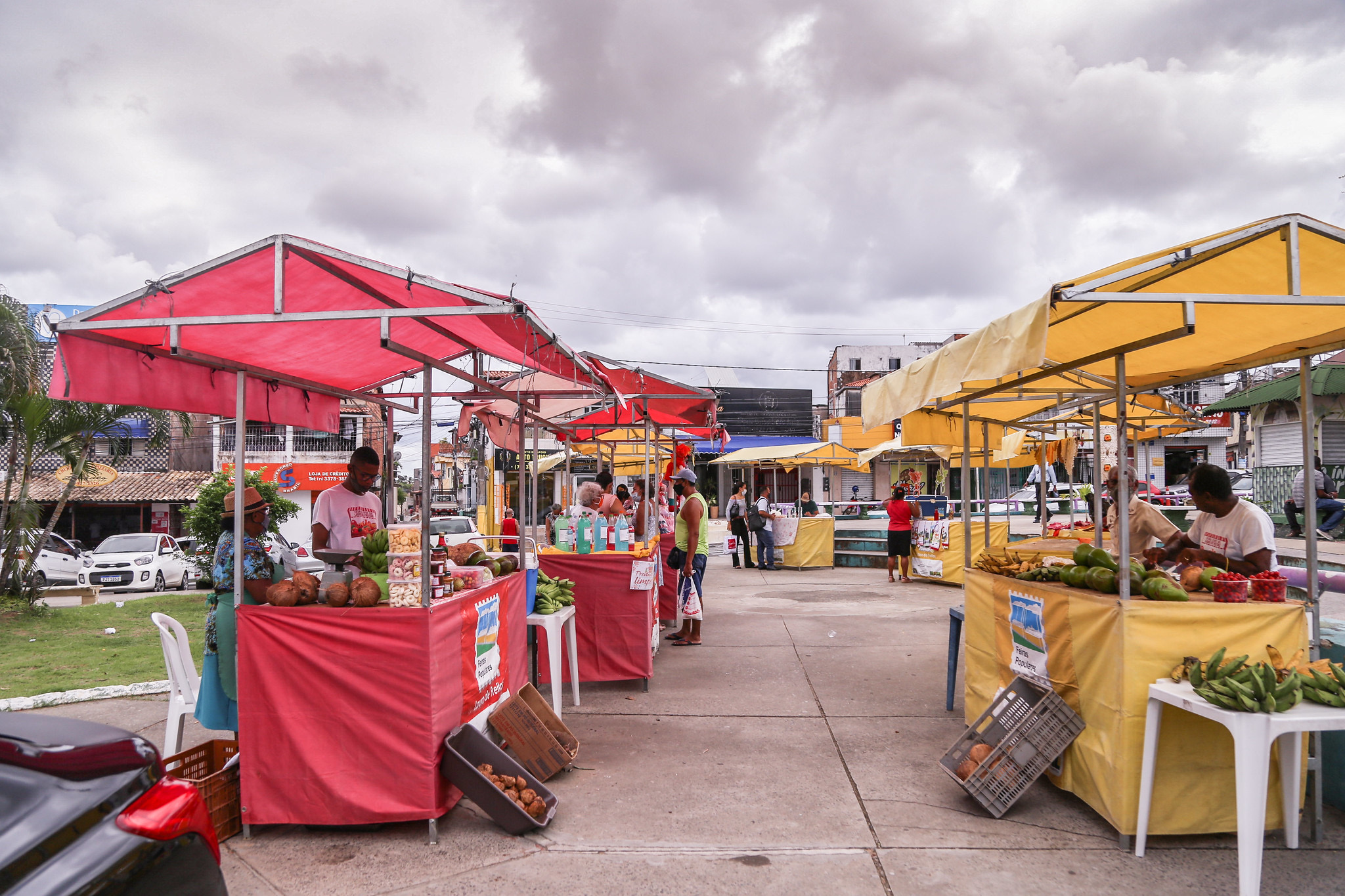 Feira livre leva alimentos saudáveis, poesia e música à Praça Martiniano Maia nesta sexta (20)