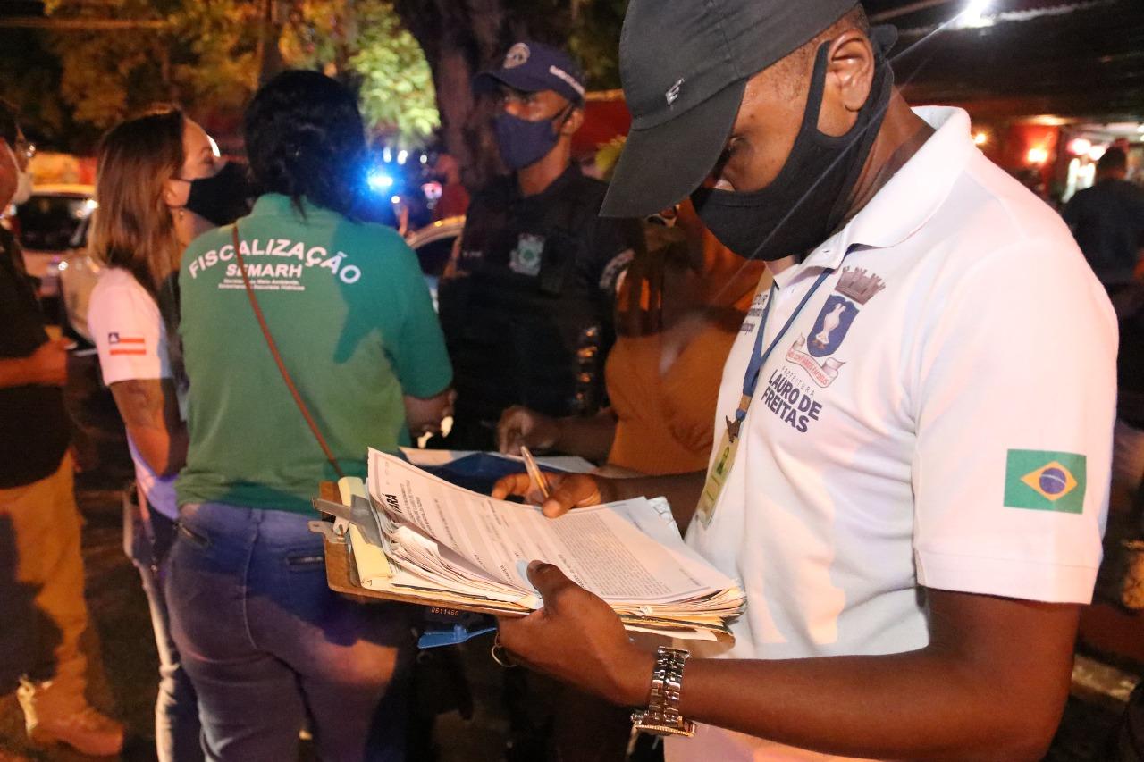 Fiscalização notifica estabelecimentos, apreende veículo e atende mais de 90 denúncias de poluição sonora no final de semana em Lauro