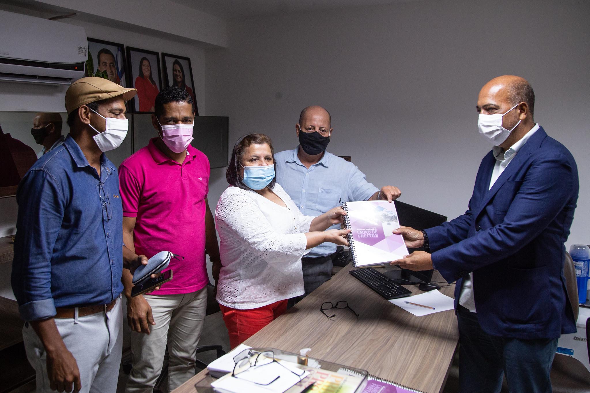 PLOA é entregue à Câmara de Vereadores de Lauro de Freitas para votação