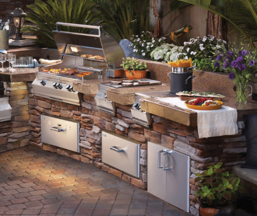 Lakeside Fierplace -Fire Magic_Grills-Outdoor living-1