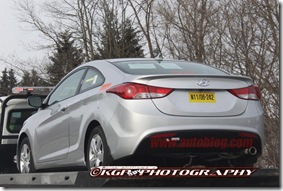 09-2013-hyundai-elantra-coupe-spy-shots