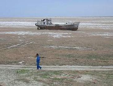 O Mar de Aral praticamente desapareceu depois de uma das primeiras experiências de manipulação de ecossistemas feitas no mundo.[Imagem: Wikimedia]