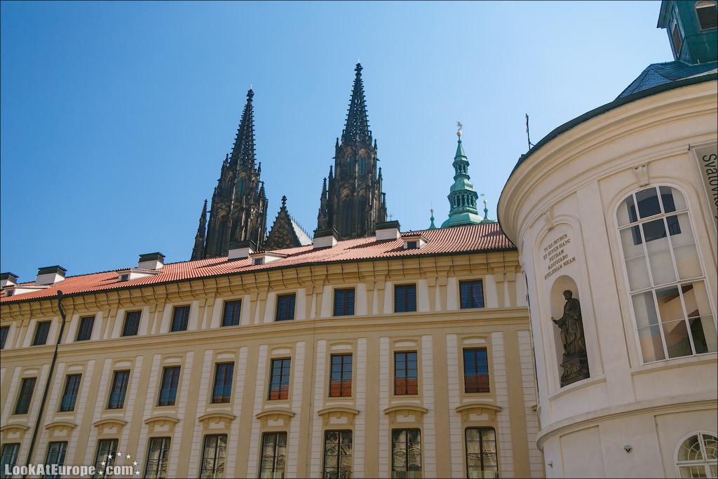Пражский град. Башни собора Святого Вита