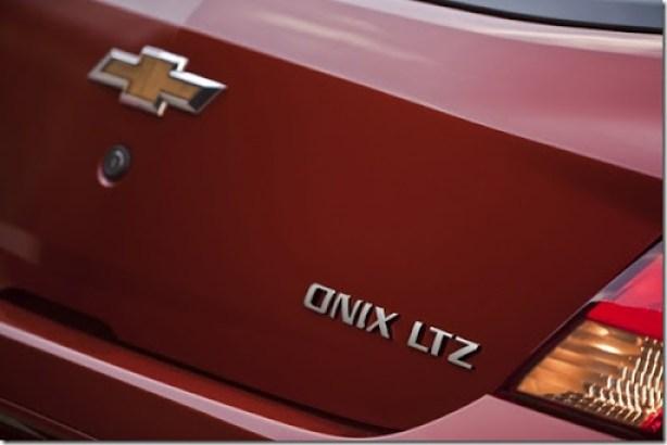 Chevrolet Onix 2013 (3)