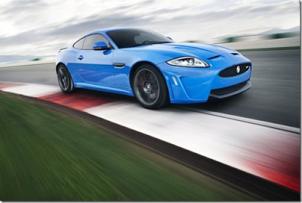 Jaguar-XKR-S_2012_1600x1200_wallpaper_04