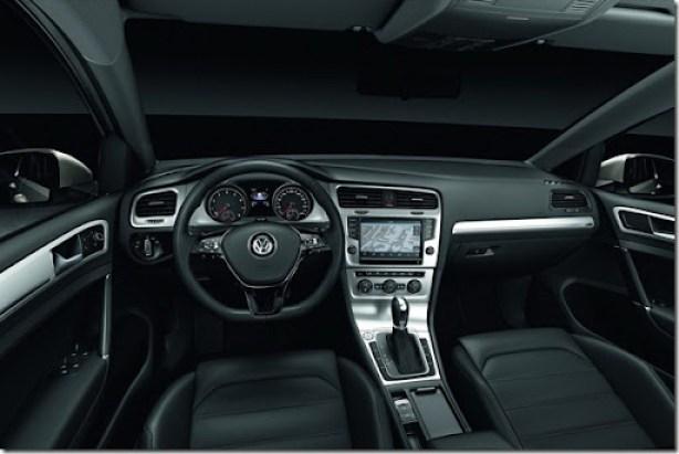 2013-VW-Golf-Seven-31[2]