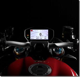 2014-Ducati-Monster-1200-S-2