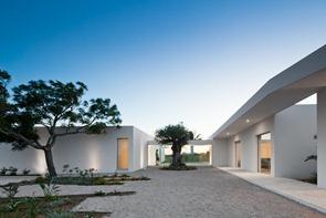 house-in-tavira-by-vitor-vilhena
