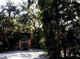 another big rig attempting to get through the main campground road at Fort De Soto Campground