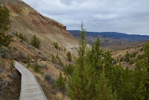 climbing on the Blue Basin Trail