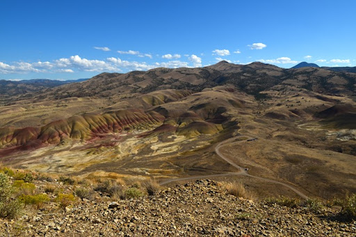 Carroll Rim Trail views Painted Hills John Day Fossil Beds that is the baby car down there at the trailhead