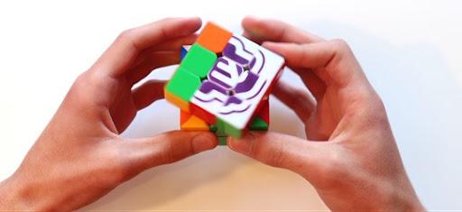 E4 puzzle cube esting