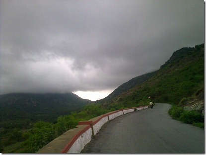 Clicking away as I continued to climb.. awesome weather today..