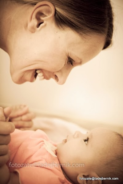 fotozate@tadejbernik-fotografiranje-nosecnic-dojenckov-malckov-druzin-mama-oce-dojencek-fotozate-druzinsko-fotografiranje-pregnancy-maternity-baby-photography-mom-dad-family (3).JPG