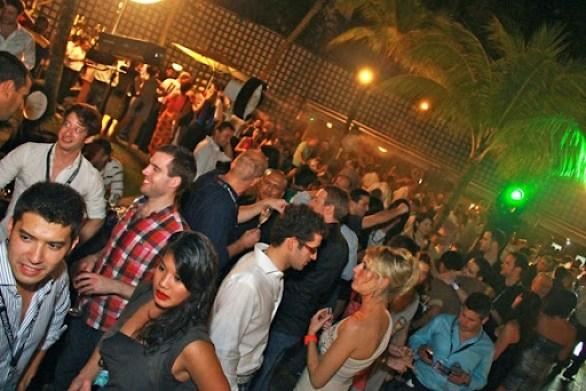 Guets at Podium Lounge 4