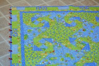alison baby quilt (1)