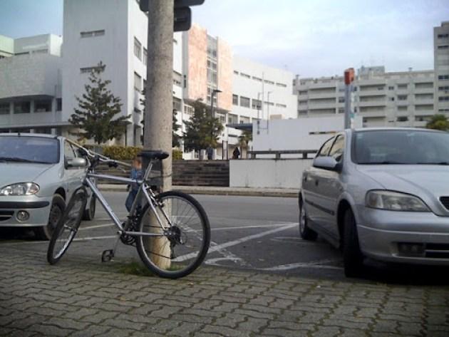 Estacionamento bici 084