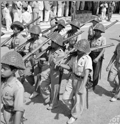 Parade Militer Ketika Kedatangan Bung Karno