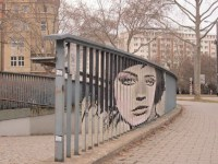 Anamorphic Street Art on Railings by Zebrating | Amusing ...