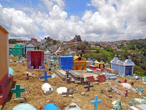 Chichicastenango-cimitero-1