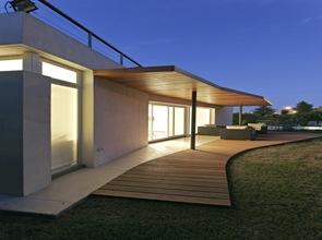 terraza-cubierta-de-madera