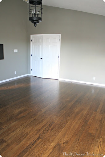 Hardwood Floors In The Bedroom From Thrifty Decor Chick