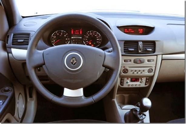Renault Symbol 2013  (4)