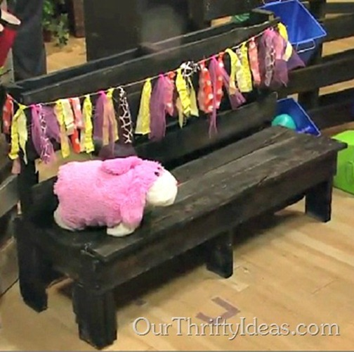 Our Thrifty Ideas: How to make a kids bench out of a wood pallet