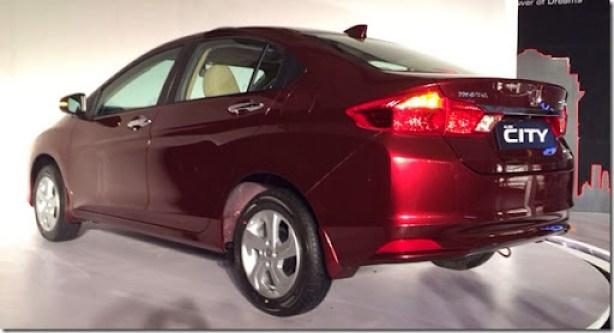 New-Honda-City-rear-three-quarters-view-launch-live-image