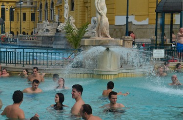 Melody under the fountain  at the Szechenyi Baths