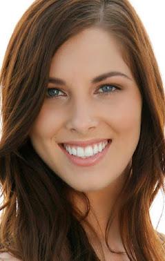 Emily Brooks  Actress Model Singer  Los Angeles CA