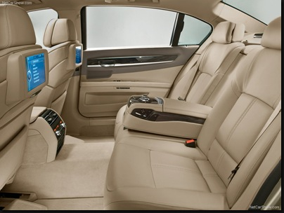 BMW-7-Series_2009_800x600_wallpaper_0e