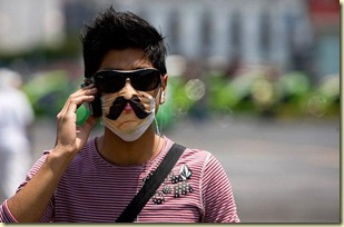 swine-flu-brings-a-brave-face-mask-fashion-up-again-09