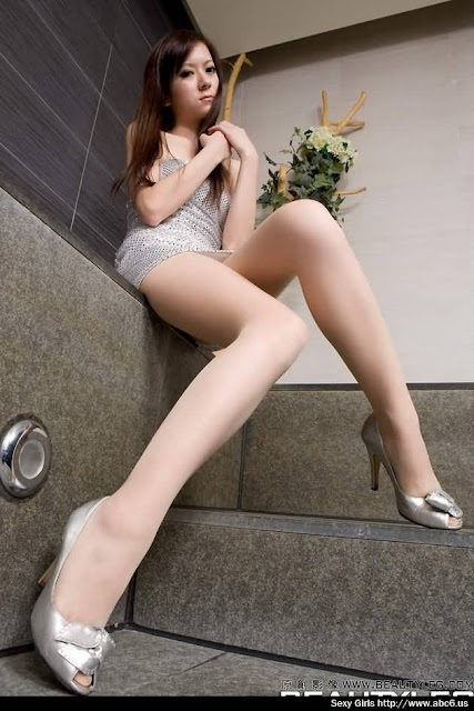 Hot Model Jennifer