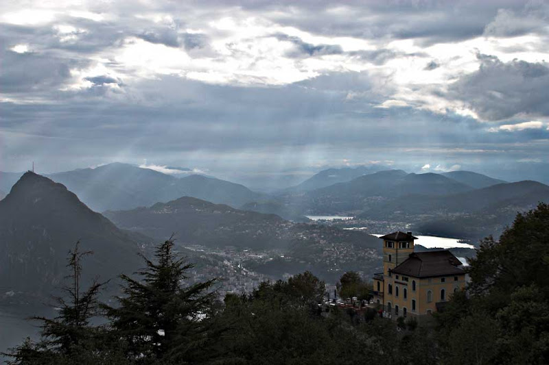 Vista de la ciudad de Lugano, Suiza, desde el Monte Bre - Canon EOS D60, EF 28-135/3,5-5,6 IS USM