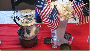 Tablescape Thursday 1 4th of July 010
