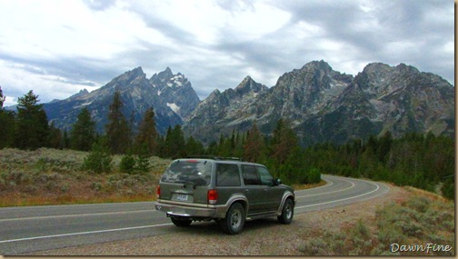 Drive in tetons_20090913_083