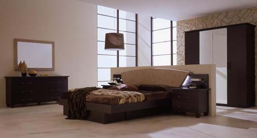 Modern-luxury-bedroom-with-wood-bed-set-with-upholstery-mattress-wardrobe-and-dresser