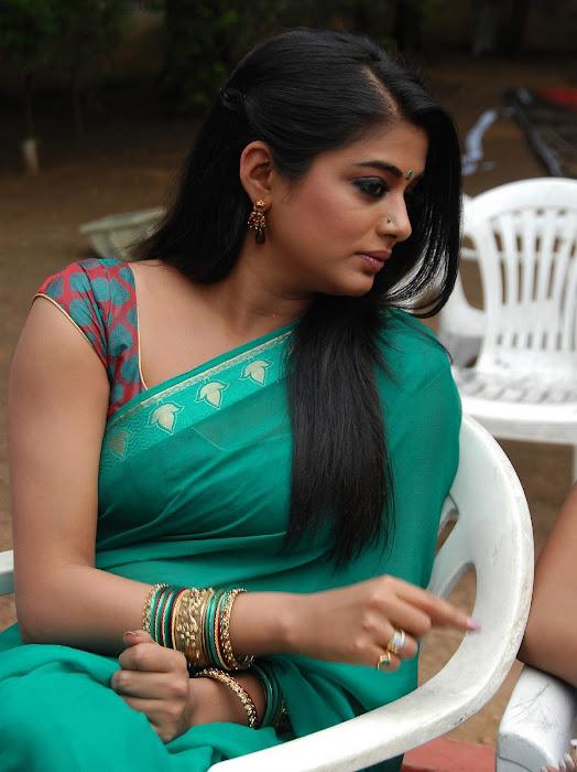 priyamani wearing green saree high quality cute stills