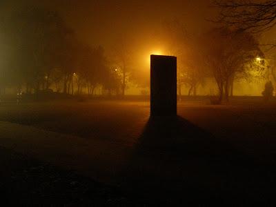 Budapest, köd, homály, este, fog, brouillard, nacht, by night, haze, Mist, nebelig, nebulous, Roma Holokauszt Emlékmű, Nehru Park, Holocaust