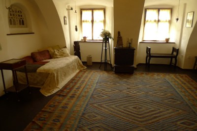 Apparently a royal bedroom in Bran Castle. Looks pretty crap to me.