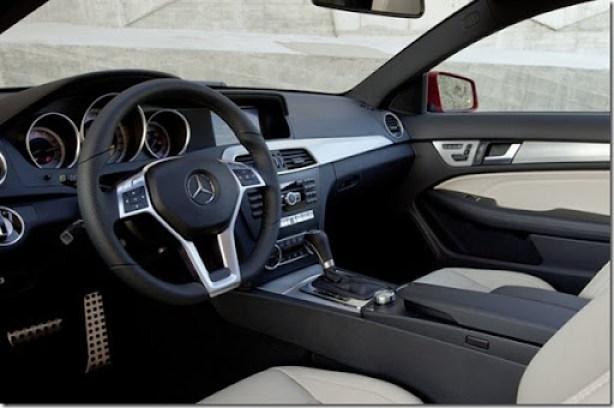Mercedes-Benz-102111141521441600x1060