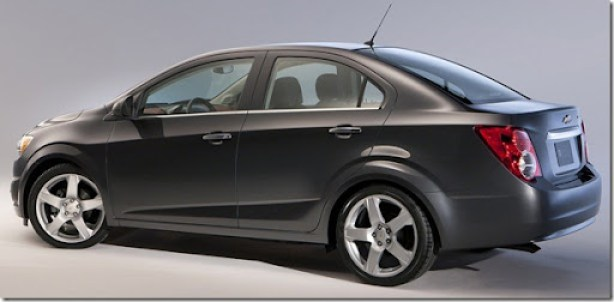 Chevrolet-Sonic_Sedan_2012_1600x1200_wallpaper_04