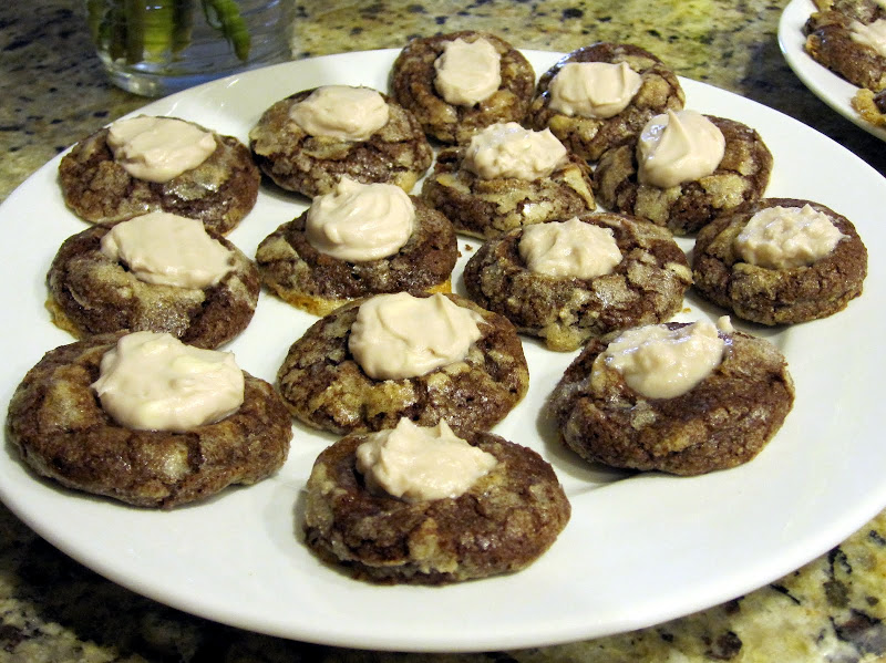 chocolate cookies with mascarpone berry filling