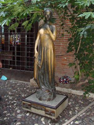 Памятник Джульетте