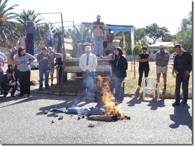 OdendaalsrustFarmersProtestAgainstMurdersApril2009court