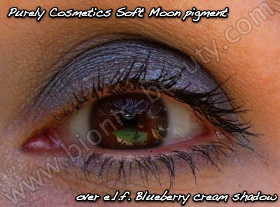 Purely Cosmetics loose eyeshadow in Soft Moon and elf cream eyeshadow in Blueberry