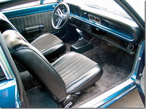 mufp_0609_05_z 1972_ford_maverick interior