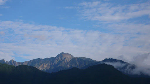 trekking TAIWAN 臺灣.用騎的最美: 梨山-福壽山農場-合歡溪步道單車行...一生一定要來一次!
