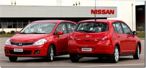 Nissan Tiida 2010 (5)